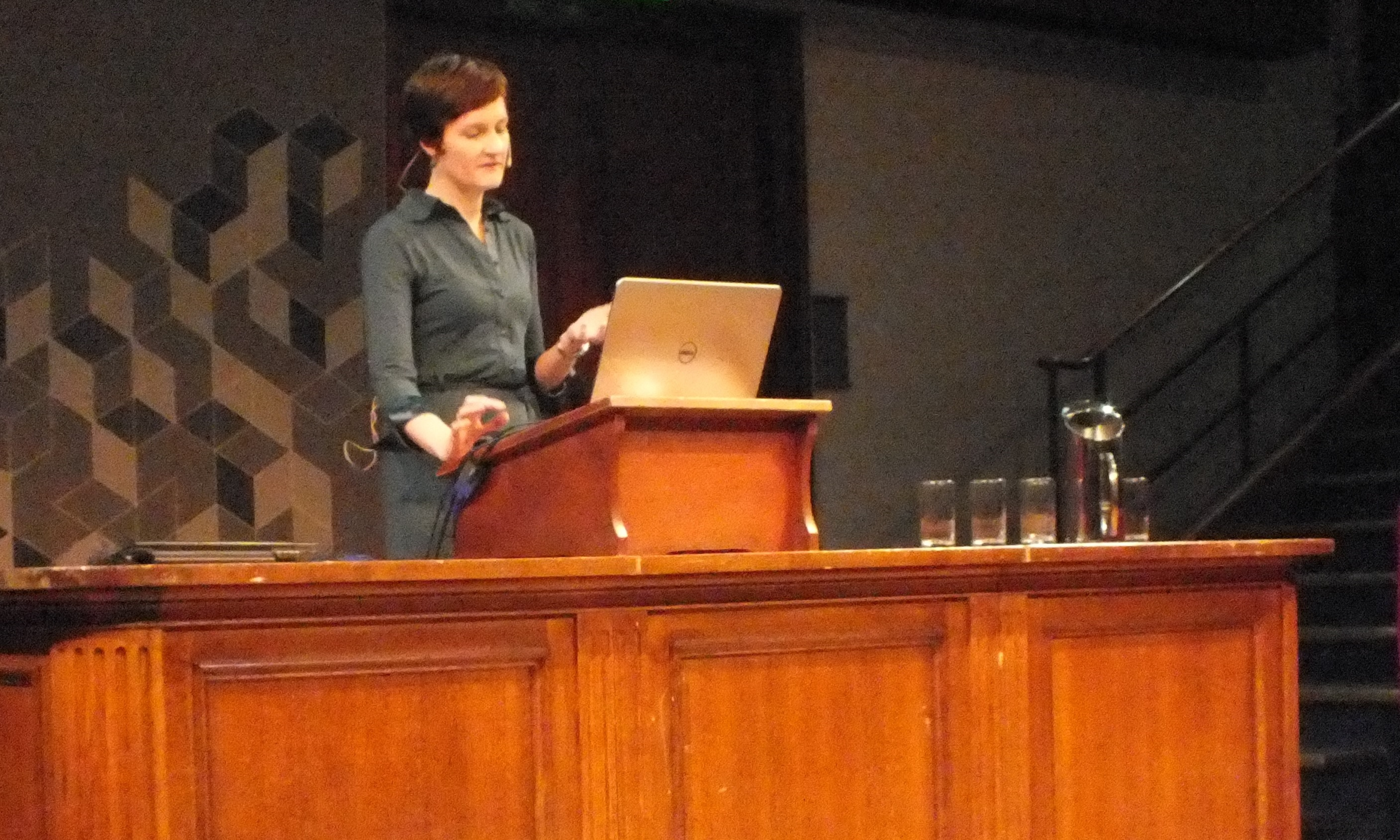 Listening in a non-native language in the presence of background noise; talk during the public event organised by the INSPIRE network at the Royal Institution, London, 20 Jan 2015.